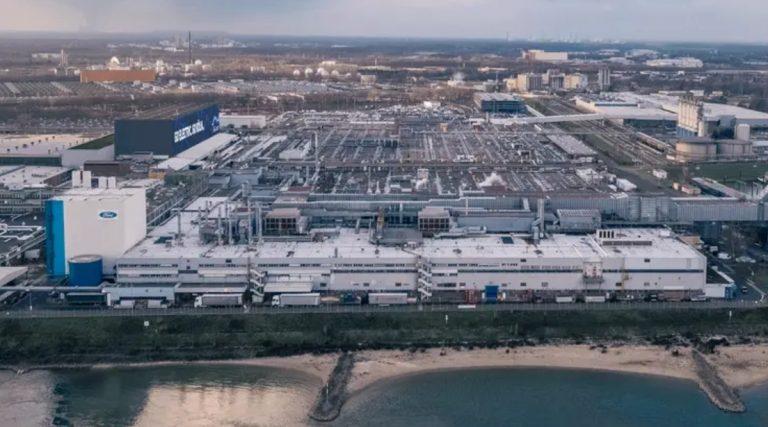 Fordin sähköautosatsaus: Vuoteen 2030 mennessä kaikki Fordin Euroopassa myytävät uudet henkilöautot ovat täyssähköisiä!
