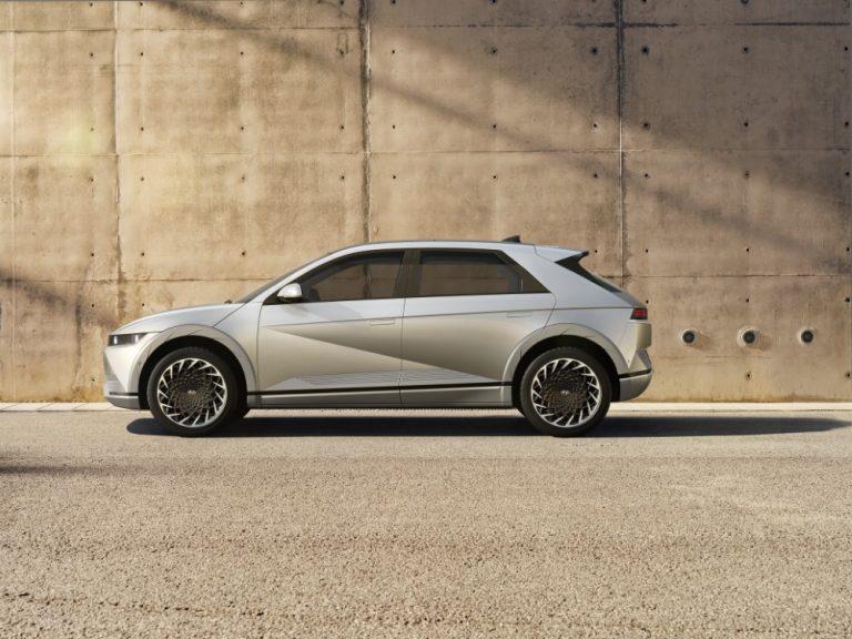 Tälläinen on Suomeen kesällä tuleva Hyundai Ioniq 5 -sähköauto