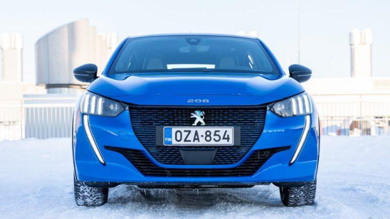 Autotoday testasi: Peugeot e-208 GT — kirjaimellisesti sähköinen sporttipösö
