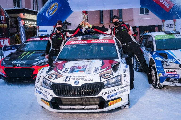 Mikko Heikkilä ajoi ensimmäiseen voittoonsa rallin SM1-luokassa