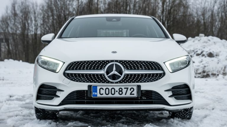 Autotoday testasi: Mercedes-Benz A Sedan 250e — kokoaan suurempi lataushybridi ja jopa 60 kilometriä sähköllä