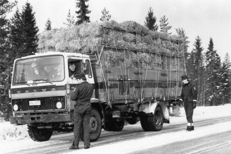 Päivän poliisikuva: Raskaan liikenteen valvonta 1988