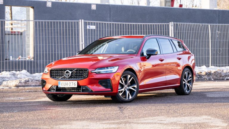 Autotoday testasi: Volvo V60 T6 TwE — tehoja laskettu, mutta kulkupuoli tallella