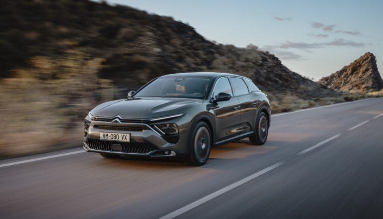 Tällainen on Citroënin uusi lippulaivamalli, C5 X
