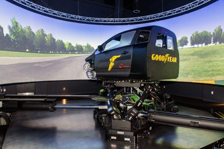 Goodyear edistää renkaiden kehitystä ajosimulaattorilla