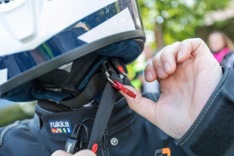 Moottoripyöräilijät tunnollisia kypärän käyttäjiä