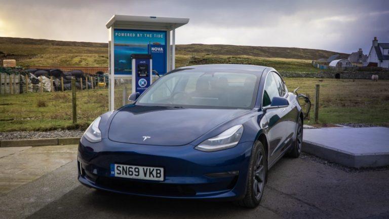 Shetlannissa maailman ensimmäinen vuorovesipohjainen sähköautojen latauspiste