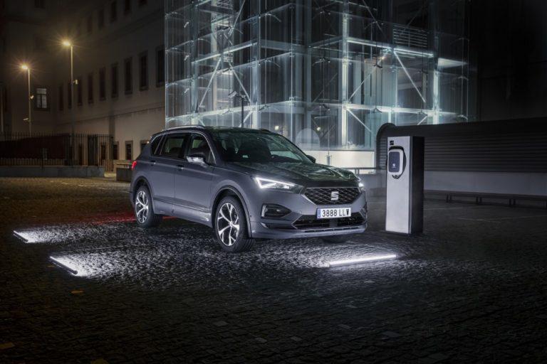 Seatin ensimmäinen SUV-mallinen lataushybridi Suomeen
