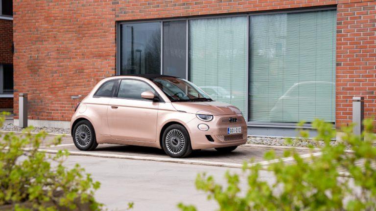 Autotoday tutustui: Uusi Fiat 500 — klassikko ja tyyli-ikoni, nyt täyssähköisenä