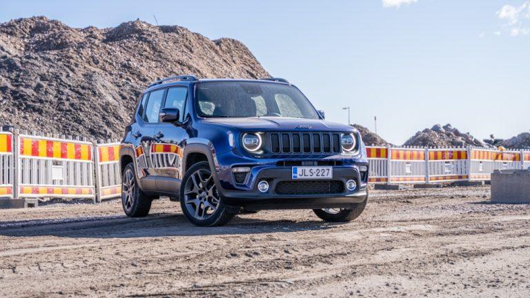 Autotoday testasi: Jeep Renegade 4XE — pakotettuna sähköiseen muottiin?