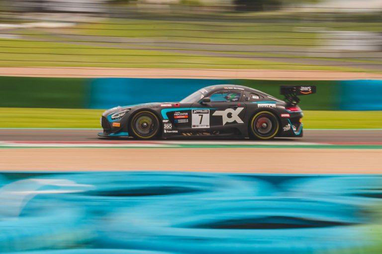 Juuso Puhakan kilpailukausi GT World Challenge Sprint EM-sarjassa käynnistyi palkintokorokesijoituksella