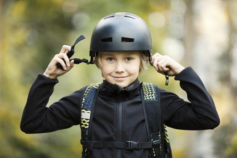 Puolet pyöräilijöistä käyttää kypärää