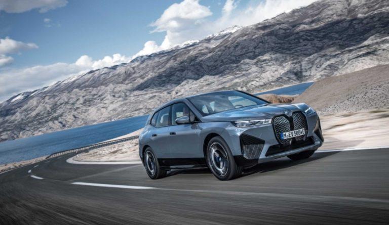 BMW iX -mallisto etenee tuotantoon