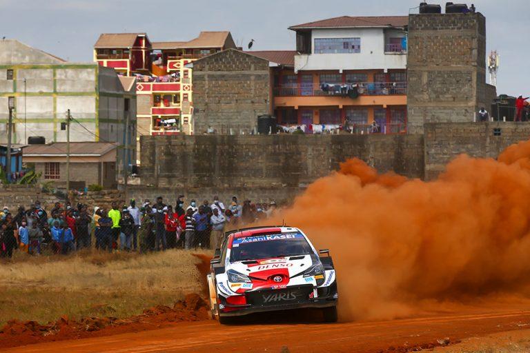 WRC: Safari-rallissa tapahtumarikas aamupäivä — Rovanperä kakkosena