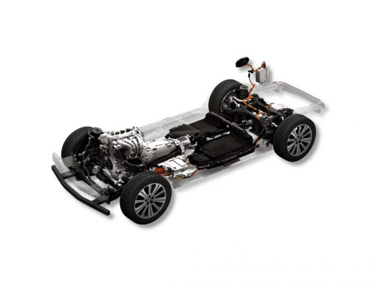 Mazda tuo lähivuosina markkinoille viisi hybridiä, viisi lataushybridiä ja kolme sähköautoa