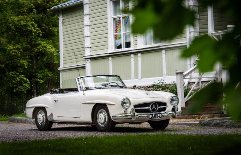 """Klassikkoauton omistaja: """"Tämä auto pitää säilyttää Pohjois-Karjalassa"""""""