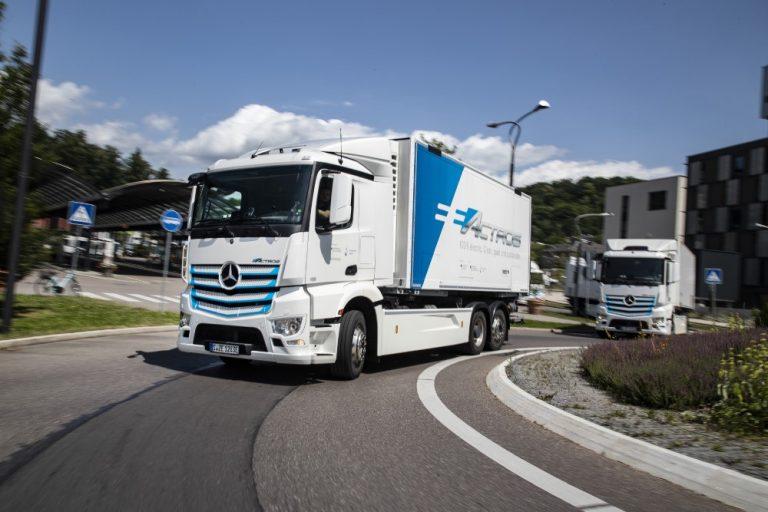 Mercedes-Benz esittelee tuotantovalmiin eActros -sähkökuorma-auton