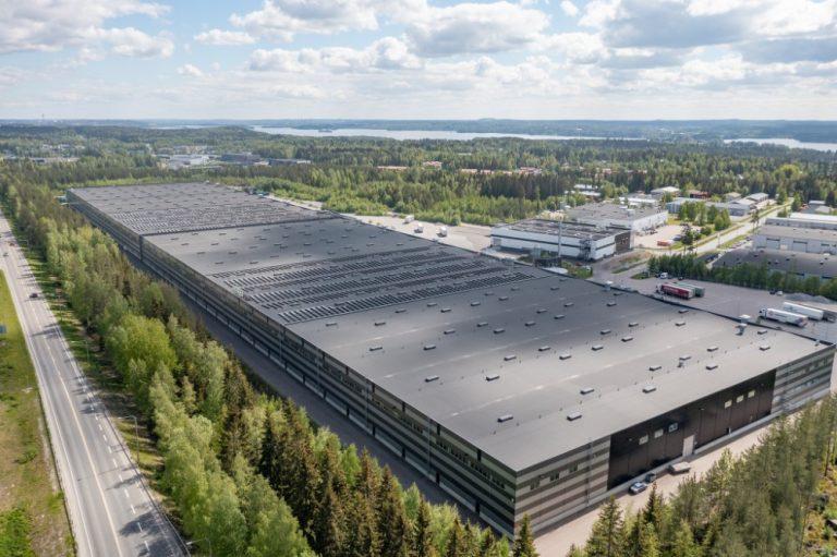 Nokian Renkaille kahden jalkapallokentän kokoinen aurinkovoimala