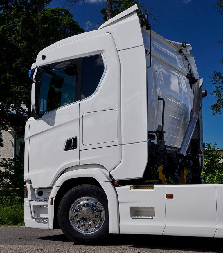 Scania tarjoaa piensarjoina tavallista pidemmät ohjaamot