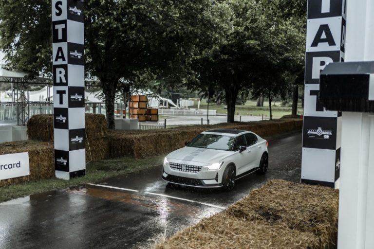 Kokeellinen Polestar 2 -versio oli esillä Goodwood Festival of Speed -tapahtumassa