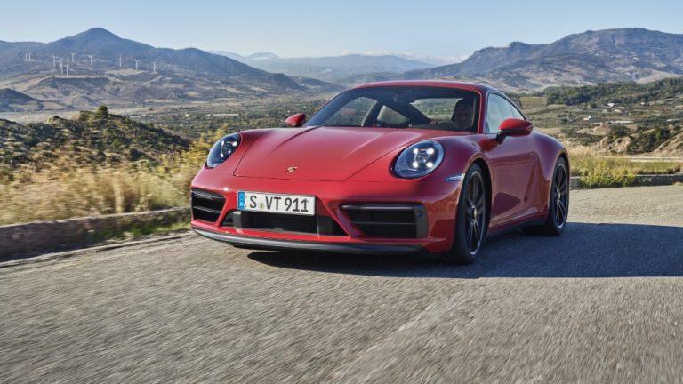 Porschen 911-malliperhe laajenee uusilla urheilullisilla GTS-varianteilla
