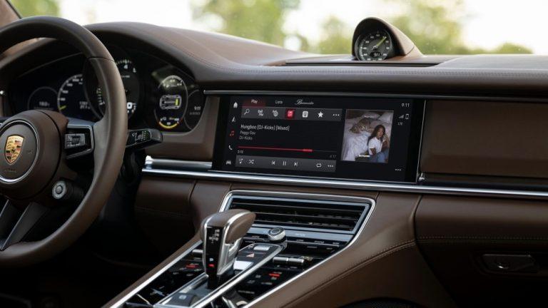 Porschen uusi infotainment-järjestelmä tuo parannuksia puheohjaukseen, navigointiin ja puhelintoimintoihin