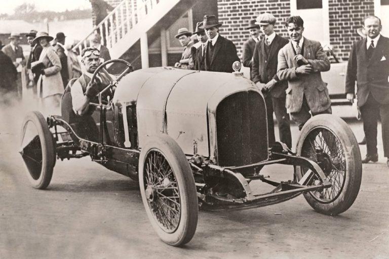 100 vuotta Bentleyn ensimmäisestä kisavoitosta