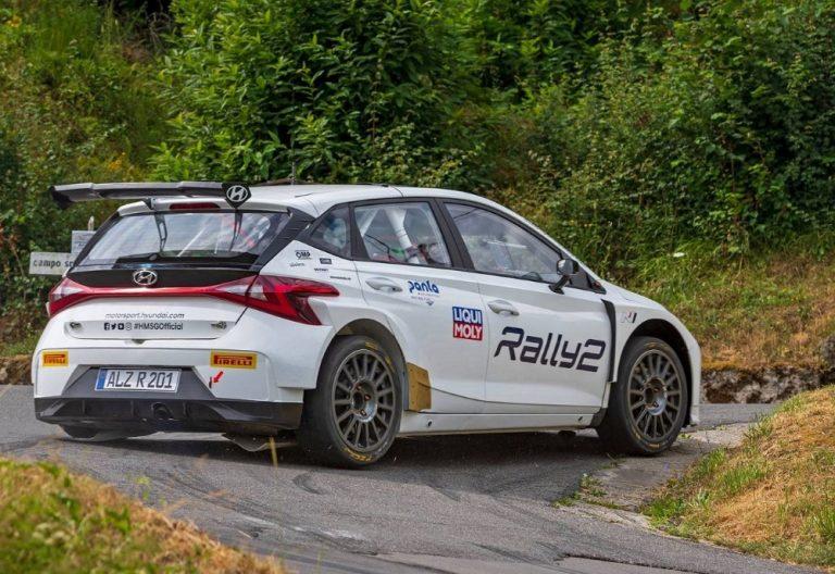 Jari Huttunen Hyundain uudella autolla Belgian MM-ralliin