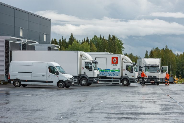 Tamperelainen kuljetusyritys tilasi Renaultilta neljä sähkökuorma-autoa