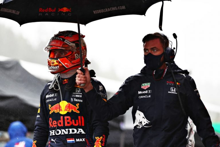 F1: Verstappen ajoi yksitoikkoisen Hollannin GP:n voittoon