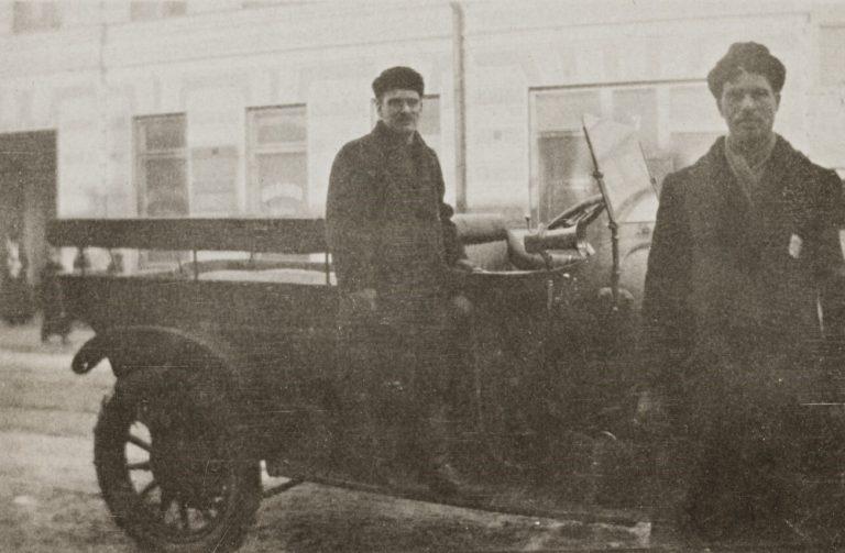 Päivän poliisiauto: Helsingin poliisin auto yli sata vuotta sitten