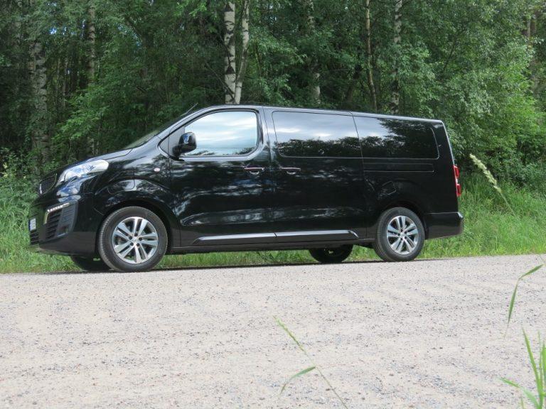 Autotoday testasi: Peugeot e-Traveller Allure 75 kWh — ison perheen sähköauto