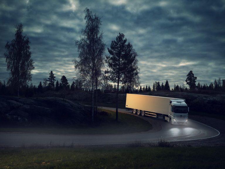 Kuorma-autonrenkaiden pinnoittaminen vähentää CO₂-päästöjä jopa 75 % verrattuna uusien renkaiden valmistukseen