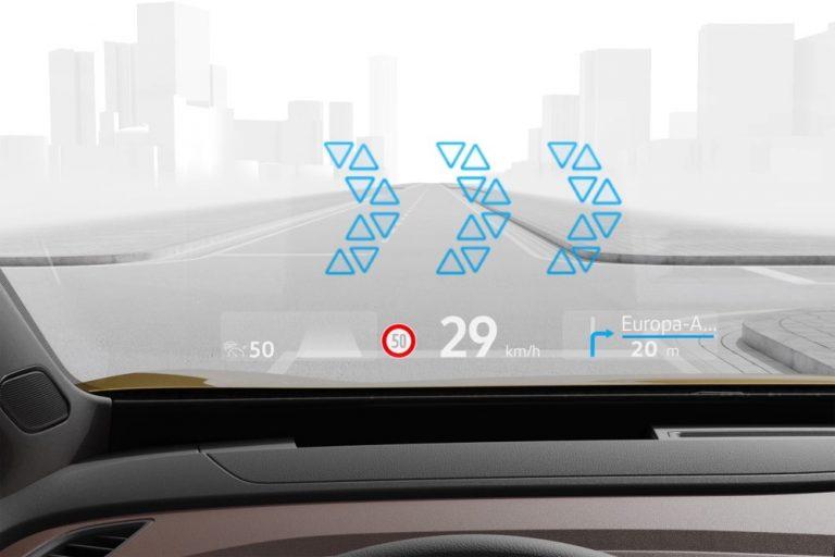 Volkswagenin ID-sähköautoihin tarjolla lisätyn todellisuuden tuulilasinäyttö