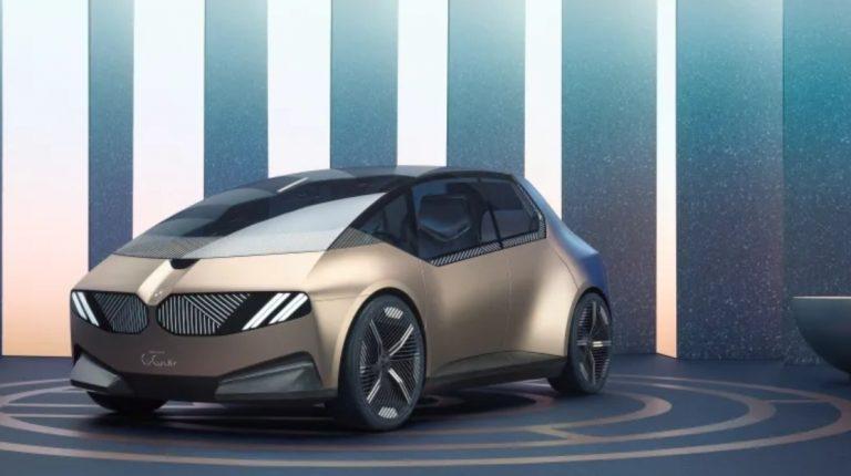 BMW esitteli IAA Mobility -näyttelyssä konseptiauton visiona kiertotaloudesta
