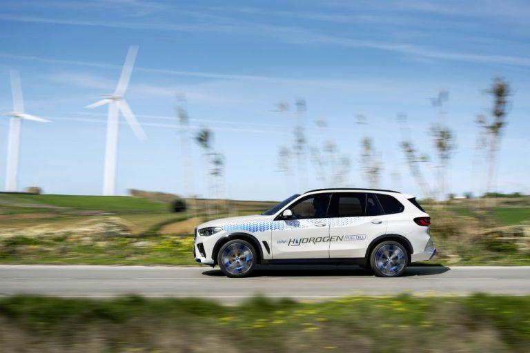 BMW esittelee vetyauton IAA-tapahtumassa