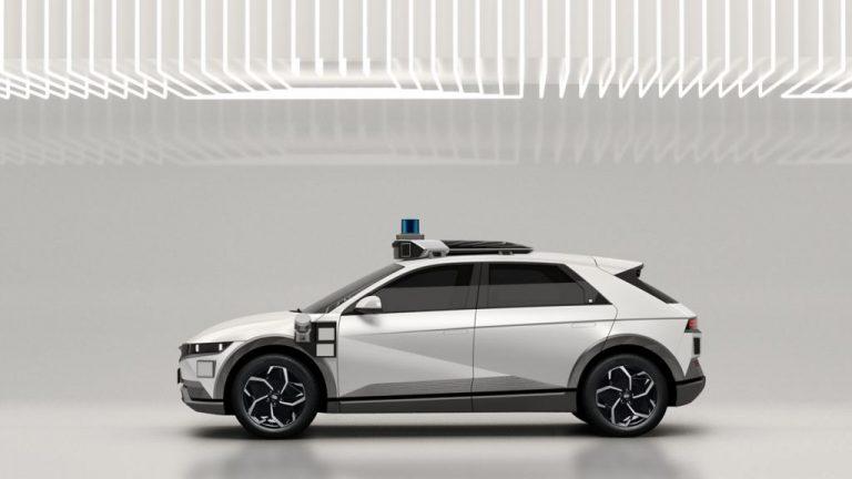 Hyundai Ioniq 5 -mallista tehty robottitaksi
