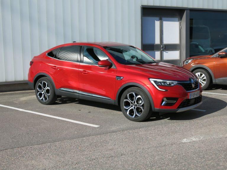Renault Arkana on nyt Suomessa