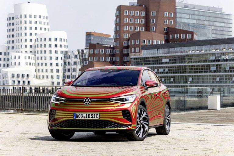Volkswagen ID.5 GTX on Volkswagenin ensimmäinen coupé-mallinen sähköinen SUV