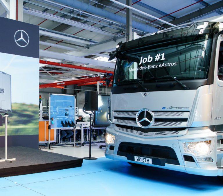 Mercedes-Benzin täyssähköisen eActrosin sarjatuotanto käynnistyi Wörthissä