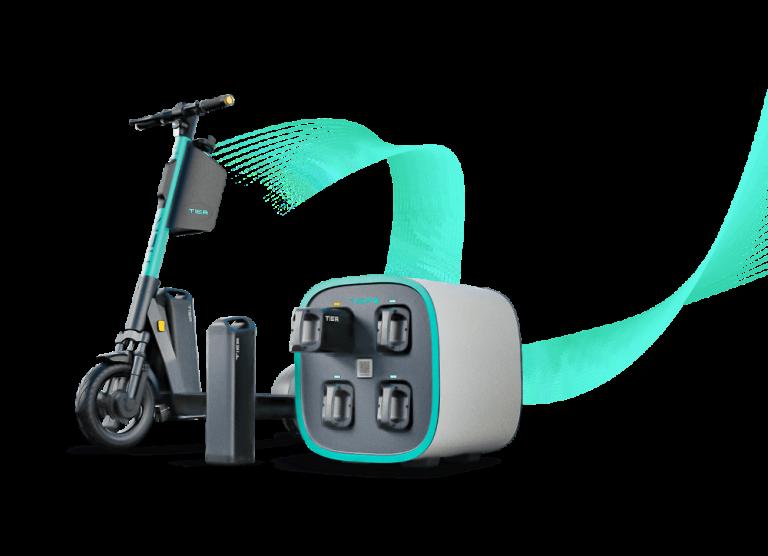 Käyttäjä voi vaihtaa sähköpotkulautayhtiö Tierin sähköpotkulautojen akkuja lähimmässä latauspisteessä ilmaisia ajominuutteja vastaan
